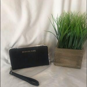 Michael Kors wristlet/wallet black/silver